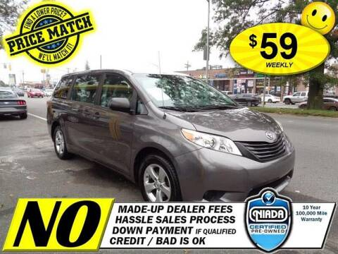 2013 Toyota Sienna for sale at AUTOFYND in Elmont NY