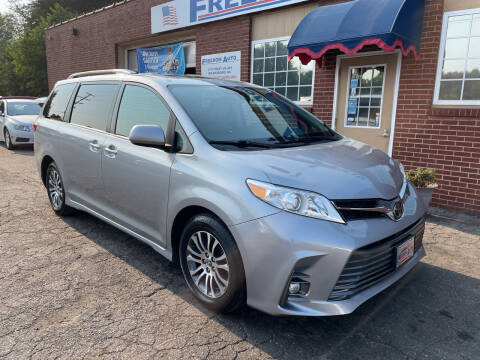 2018 Toyota Sienna for sale at FREEDOM AUTO LLC in Wilkesboro NC