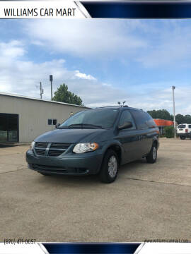 2005 Chrysler Town and Country for sale at WILLIAMS CAR MART in Gassville AR