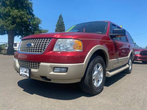 2005 Ford Expedition for sale at Pacific Auto LLC in Woodburn OR