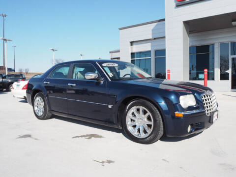 2005 Chrysler 300 for sale at SIMOTES MOTORS in Minooka IL