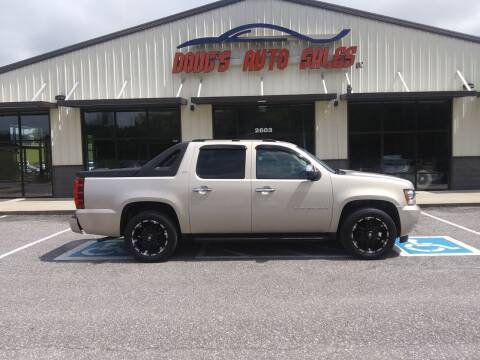 2007 Chevrolet Avalanche for sale at DOUG'S AUTO SALES INC in Pleasant View TN