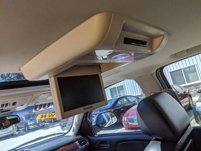 2011 Chevrolet Tahoe 4x4 LTZ 4dr SUV - Des Moines IA