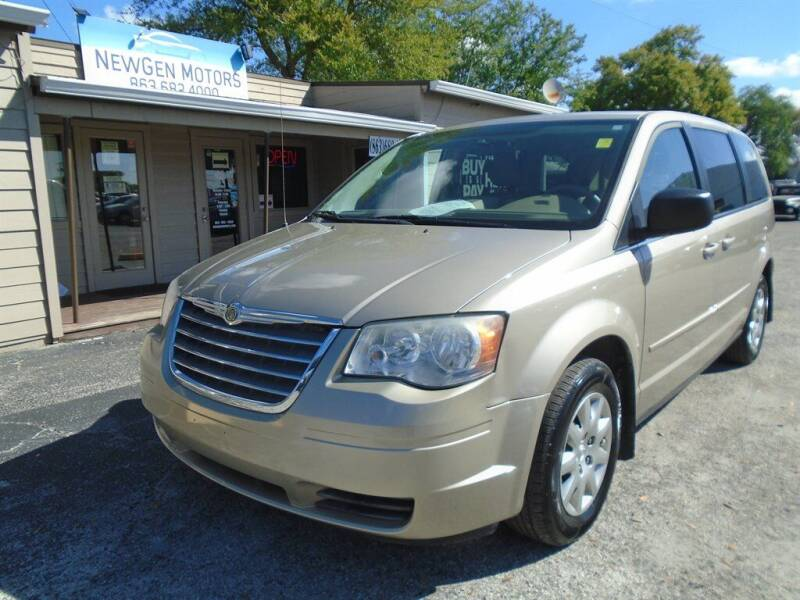 2009 Chrysler Town and Country for sale at New Gen Motors in Lakeland FL