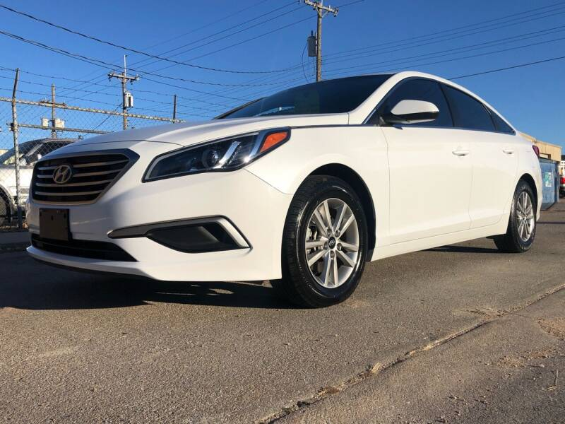 2017 Hyundai Sonata for sale at El Tucanazo Auto Sales in Grand Island NE
