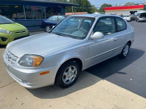 2004 Hyundai Accent for sale at Wise Investments Auto Sales in Sellersburg IN