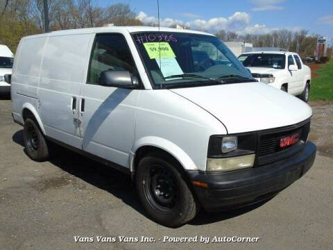 2005 GMC Safari Cargo for sale at Vans Vans Vans INC in Blauvelt NY