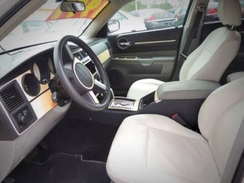 2006 Dodge Magnum for sale at JacksonvilleMotorMall.com in Jacksonville FL