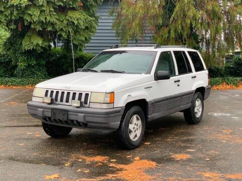 1995 Jeep Grand Cherokee for sale at Q Motors in Lakewood WA