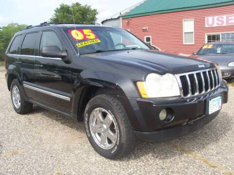 2005 Jeep Grand Cherokee for sale at Country Side Car Sales in Elk River MN