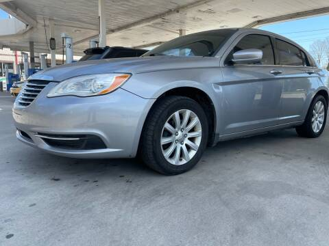 2013 Chrysler 200 for sale at JE Auto Sales LLC in Indianapolis IN