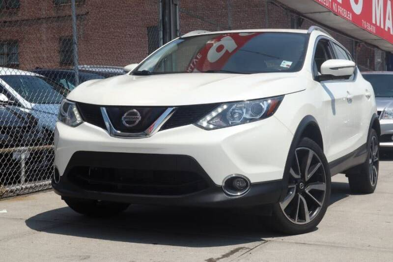 2018 Nissan Rogue Sport for sale at HILLSIDE AUTO MALL INC in Jamaica NY