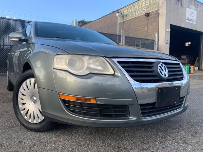 2006 Volkswagen Passat for sale at Illinois Auto Sales in Paterson NJ