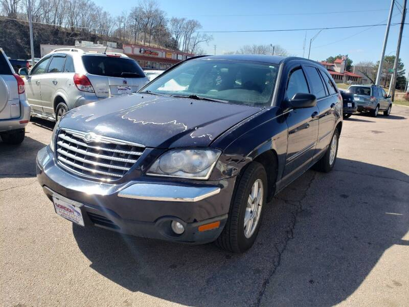 2005 Chrysler Pacifica for sale at Gordon Auto Sales LLC in Sioux City IA