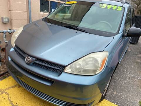 2005 Toyota Sienna for sale at International Auto Sales Inc in Staten Island NY
