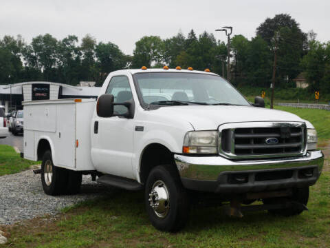 2004 Ford F-350 Super Duty for sale at GRANITE RUN PRE OWNED CAR AND TRUCK OUTLET in Media PA