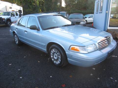 2004 Ford Crown Victoria for sale at Blue Lake Auto & RV Repair Inc in Fairview OR