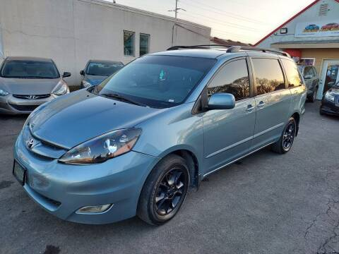 2006 Toyota Sienna for sale at Rochester Auto Mall in Rochester MN