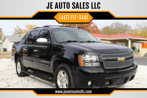 2008 Chevrolet Avalanche for sale at JE AUTO SALES LLC in Webb City MO