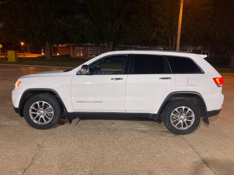 2015 Jeep Grand Cherokee for sale at Mulder Auto Tire and Lube in Orange City IA