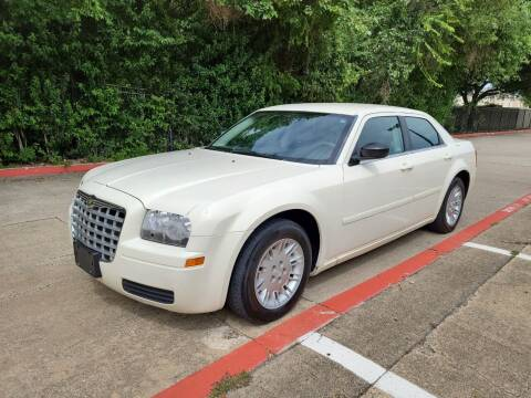 2005 Chrysler 300 for sale at DFW Autohaus in Dallas TX