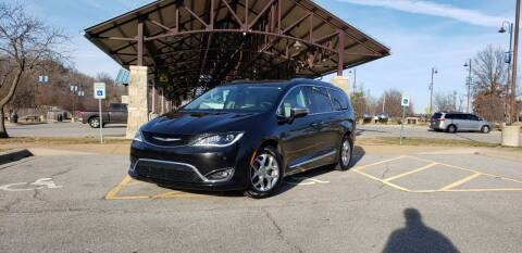 2017 Chrysler Pacifica for sale at D&C Motor Company LLC in Merriam KS
