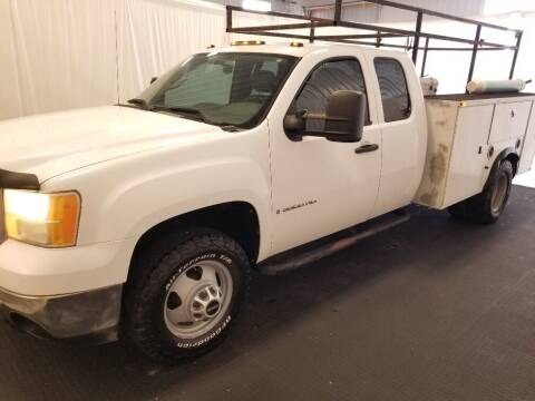 2009 GMC Sierra 3500HD CC for sale at Rick's R & R Wholesale, LLC in Lancaster OH