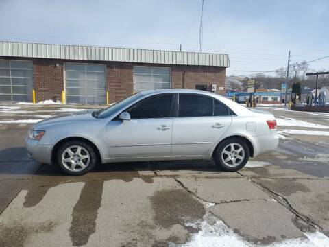 2006 Hyundai Sonata for sale at RIVERSIDE AUTO SALES in Sioux City IA
