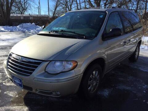2005 Chrysler Town and Country for sale at Fort Dodge Ford Lincoln Toyota in Fort Dodge IA