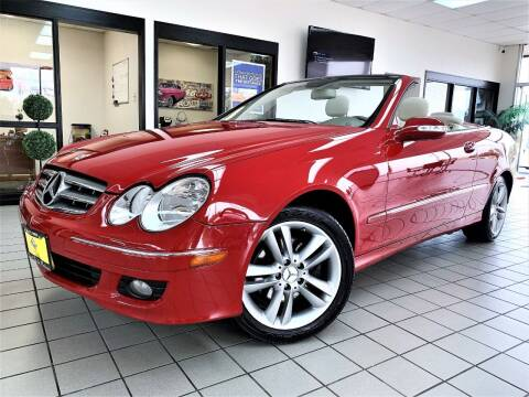 2007 Mercedes-Benz CLK for sale at SAINT CHARLES MOTORCARS in Saint Charles IL