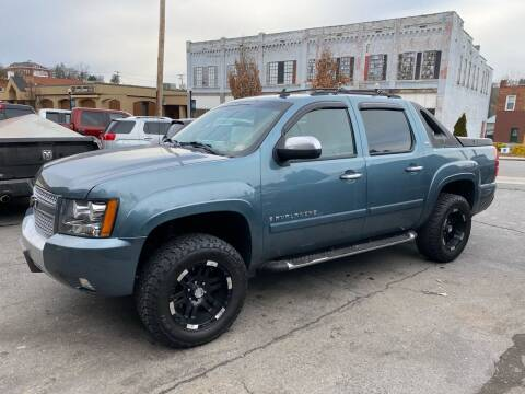 2008 Chevrolet Avalanche for sale at East Main Rides in Marion VA