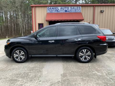 2017 Nissan Pathfinder for sale at Daniel Used Auto Sales in Dallas GA