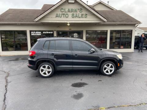 2010 Volkswagen Tiguan for sale at Clarks Auto Sales in Middletown OH