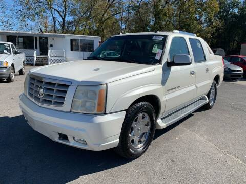 2005 Cadillac Escalade EXT for sale at Diana Rico LLC in Dalton GA