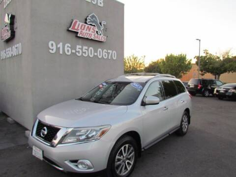 2013 Nissan Pathfinder for sale at LIONS AUTO SALES in Sacramento CA