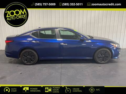 2019 Nissan Altima for sale at ZoomAutoCredit.com in Elba NY