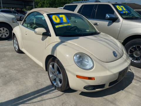 2006 Volkswagen New Beetle Convertible for sale at CELAYA AUTO SALES INC in Houston TX