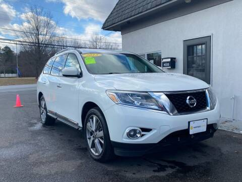 2013 Nissan Pathfinder for sale at Vantage Auto Group in Tinton Falls NJ