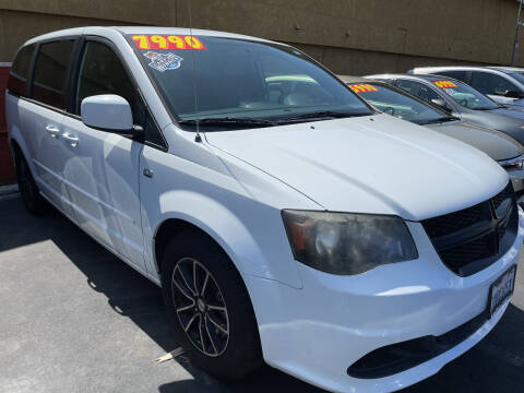 2014 Dodge Grand Caravan for sale at CARZ in San Diego CA