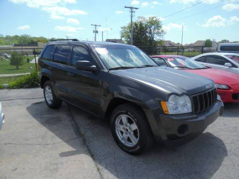 2005 Jeep Grand Cherokee for sale at VEST AUTO SALES in Kansas City MO