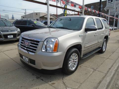 2008 GMC Yukon for sale at CAR CENTER INC in Chicago IL