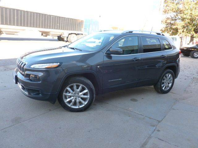 2016 Jeep Cherokee for sale at Faw Motor Co in Cambridge NE