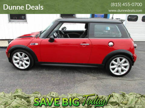 2004 MINI Cooper for sale at Dunne Deals in Crystal Lake IL