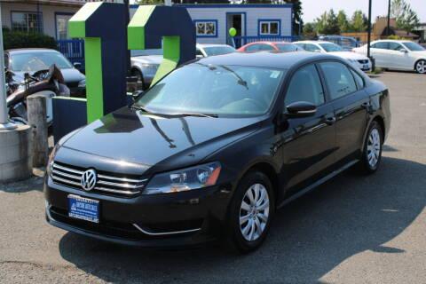 2014 Volkswagen Passat for sale at BAYSIDE AUTO SALES in Everett WA