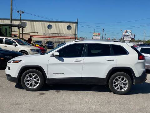 2018 Jeep Cherokee for sale at Marvin Motors in Kissimmee FL