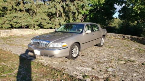 2003 Lincoln Town Car for sale at Twin City Auto Exchange LLC in Minneapolis MN