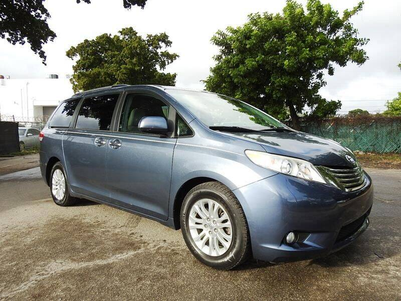 2014 Toyota Sienna for sale at SUPER DEAL MOTORS in Hollywood FL