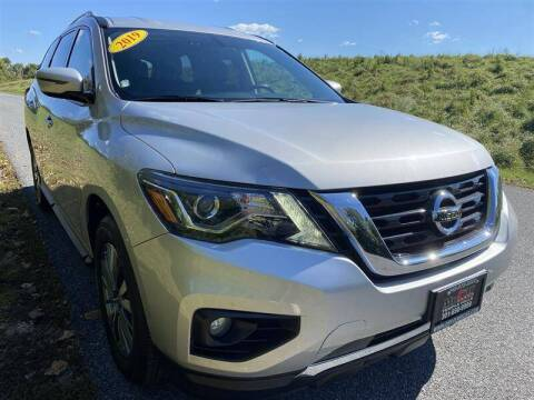 2019 Nissan Pathfinder for sale at Mr. Car City in Brentwood MD