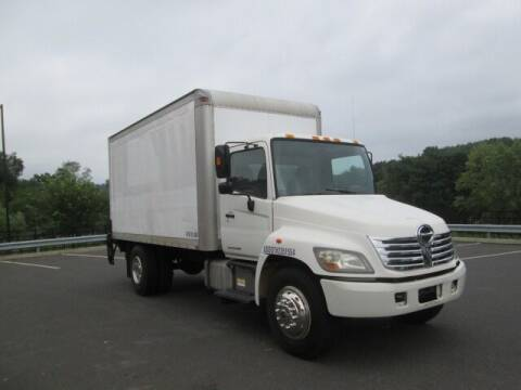 2007 Hino 268 for sale at Tri Town Truck Sales LLC in Watertown CT
