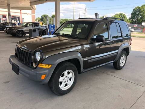 2005 Jeep Liberty for sale at JE Auto Sales LLC in Indianapolis IN